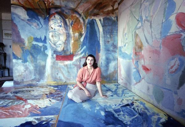 """""""Helen Frankenthaler, americana, neoyorkina, nacida al final de los años veintes del siglo XX."""" Foto de la revista Life , 1957."""